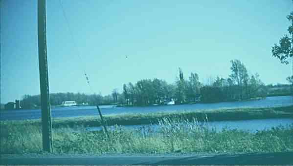 8_Frying_Pan_Island_on_Bergin_Lake (1)
